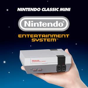 Foto des NES Classic Mini auf einer Hand