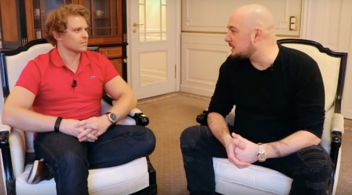 Dr Julian Hops und Kool Savas im Gespräch Quelle: Julian Hosp YouTube